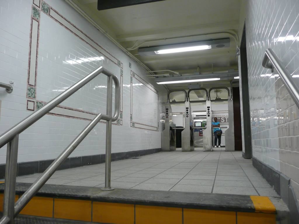(106k, 1024x768)<br><b>Country:</b> United States<br><b>City:</b> New York<br><b>System:</b> New York City Transit<br><b>Line:</b> IRT West Side Line<br><b>Location:</b> 96th Street <br><b>Photo by:</b> Robbie Rosenfeld<br><b>Date:</b> 6/30/2010<br><b>Notes:</b> South entrance.<br><b>Viewed (this week/total):</b> 1 / 1136