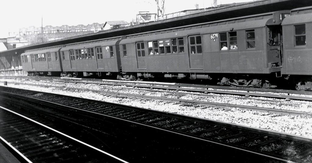 (146k, 1024x535)<br><b>Country:</b> United States<br><b>City:</b> New York<br><b>System:</b> New York City Transit<br><b>Line:</b> BMT Sea Beach Line<br><b>Location:</b> 8th Avenue <br><b>Car:</b> BMT D-Type Triplex 6079 <br><b>Collection of:</b> George Conrad Collection<br><b>Viewed (this week/total):</b> 0 / 1245