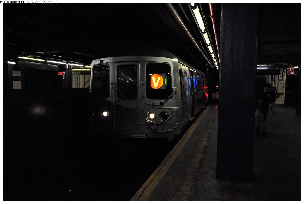(164k, 1044x700)<br><b>Country:</b> United States<br><b>City:</b> New York<br><b>System:</b> New York City Transit<br><b>Line:</b> IND 6th Avenue Line<br><b>Location:</b> 2nd Avenue <br><b>Route:</b> V<br><b>Car:</b> R-46 (Pullman-Standard, 1974-75) 5838 <br><b>Photo by:</b> Zach Summer<br><b>Date:</b> 6/25/2010<br><b>Notes:</b> Last day of V service<br><b>Viewed (this week/total):</b> 4 / 1353