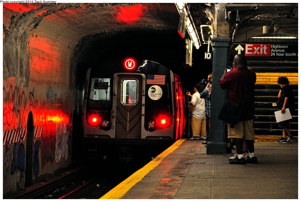 (299k, 1044x700)<br><b>Country:</b> United States<br><b>City:</b> New York<br><b>System:</b> New York City Transit<br><b>Line:</b> BMT Sea Beach Line<br><b>Location:</b> Kings Highway <br><b>Route:</b> W<br><b>Car:</b> R-160B (Option 1) (Kawasaki, 2008-2009)  9042 <br><b>Photo by:</b> Zach Summer<br><b>Date:</b> 6/25/2010<br><b>Notes:</b> This was the last southbound W train; made all Astoria/Broadway/4 Av/Sea Beach local stops to Kings Highway then ran light to Coney Island Yard.<br><b>Viewed (this week/total):</b> 1 / 2069