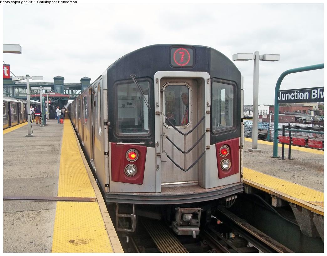 (363k, 1044x817)<br><b>Country:</b> United States<br><b>City:</b> New York<br><b>System:</b> New York City Transit<br><b>Line:</b> IRT Flushing Line<br><b>Location:</b> Junction Boulevard <br><b>Route:</b> 7 testing<br><b>Car:</b> R-188 (R-142A Conversion, Kawasaki, 1999-2002) 7271 <br><b>Photo by:</b> Christopher Henderson<br><b>Date:</b> 9/21/2011<br><b>Viewed (this week/total):</b> 4 / 2211
