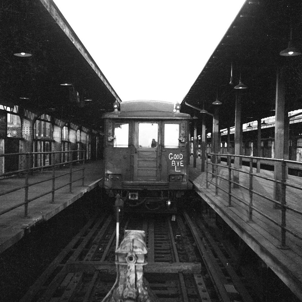 (199k, 1024x585)<br><b>Country:</b> United States<br><b>City:</b> New York<br><b>System:</b> New York City Transit<br><b>Line:</b> BMT Brighton Line<br><b>Location:</b> Brighton Beach <br><b>Route:</b> QB<br><b>Car:</b> R-30 (St. Louis, 1961) 8461 <br><b>Collection of:</b> George Conrad Collection<br><b>Date:</b> 6/18/1971<br><b>Viewed (this week/total):</b> 3 / 3578