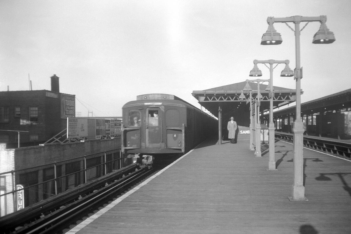 (151k, 1024x768)<br><b>Country:</b> United States<br><b>City:</b> New York<br><b>System:</b> New York City Transit<br><b>Line:</b> BMT Astoria Line<br><b>Location:</b> Astoria Boulevard/Hoyt Avenue <br><b>Car:</b> BMT A/B-Type Standard  <br><b>Collection of:</b> George Conrad Collection<br><b>Date:</b> 10/24/1961<br><b>Viewed (this week/total):</b> 1 / 2628