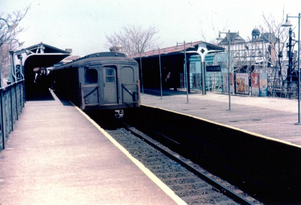 (161k, 1024x697)<br><b>Country:</b> United States<br><b>City:</b> New York<br><b>System:</b> New York City Transit<br><b>Line:</b> BMT Franklin<br><b>Location:</b> Franklin Avenue <br><b>Car:</b> BMT A/B-Type Standard  <br><b>Collection of:</b> George Conrad Collection<br><b>Date:</b> 4/23/1961<br><b>Viewed (this week/total):</b> 1 / 2106
