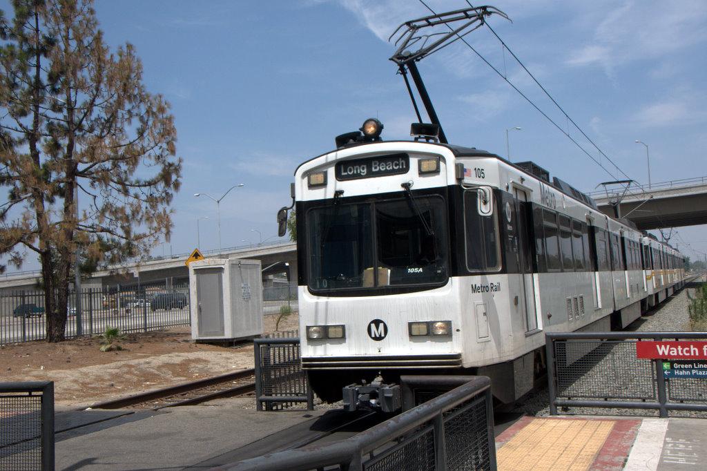 (198k, 1024x682)<br><b>Country:</b> United States<br><b>City:</b> Los Angeles, CA<br><b>System:</b> Los Angeles County MTA<br><b>Line:</b> Metro Blue Line <br><b>Location:</b> Rosa Parks/Imperial <br><b>Car:</b> P850/P865 (Nippon Sharyo, 1989-1994)  105 <br><b>Photo by:</b> Jeremy Whiteman<br><b>Date:</b> 8/1/2010<br><b>Viewed (this week/total):</b> 0 / 773