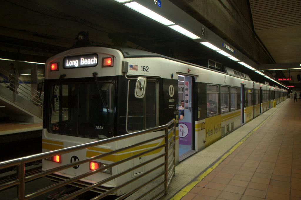 (150k, 1024x682)<br><b>Country:</b> United States<br><b>City:</b> Los Angeles, CA<br><b>System:</b> Los Angeles County MTA<br><b>Line:</b> Metro Blue Line <br><b>Location:</b> Metro Center <br><b>Car:</b> P850/P865 (Nippon Sharyo, 1989-1994)  162 <br><b>Photo by:</b> Jeremy Whiteman<br><b>Date:</b> 8/1/2010<br><b>Viewed (this week/total):</b> 0 / 752