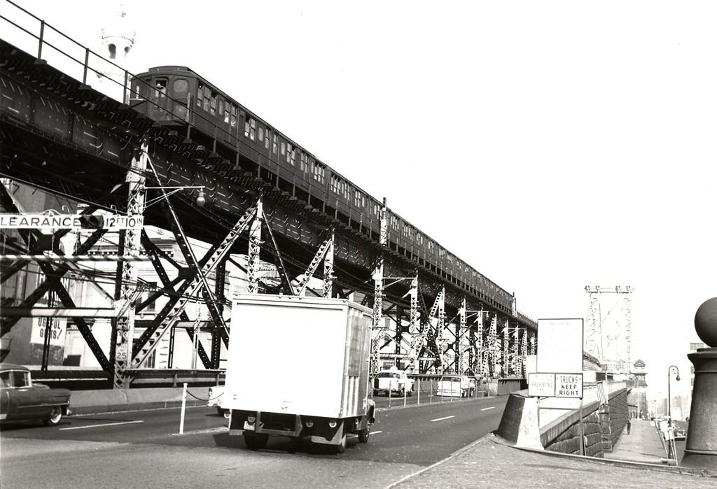 (171k, 1024x699)<br><b>Country:</b> United States<br><b>City:</b> New York<br><b>System:</b> New York City Transit<br><b>Line:</b> BMT Nassau Street/Jamaica Line<br><b>Location:</b> Williamsburg Bridge<br><b>Car:</b> BMT A/B-Type Standard  <br><b>Collection of:</b> George Conrad Collection<br><b>Date:</b> 7/5/1963<br><b>Viewed (this week/total):</b> 0 / 1434