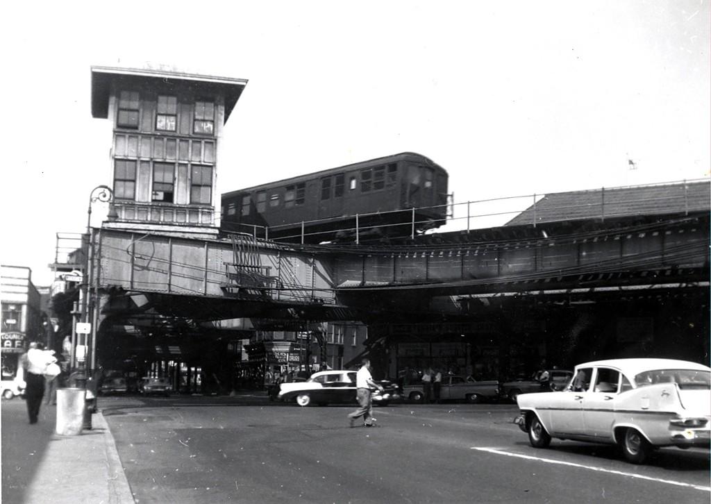 (137k, 1024x726)<br><b>Country:</b> United States<br><b>City:</b> New York<br><b>System:</b> New York City Transit<br><b>Line:</b> BMT Myrtle Avenue Line<br><b>Location:</b> Wyckoff Avenue <br><b>Car:</b> BMT A/B-Type Standard  <br><b>Collection of:</b> George Conrad Collection<br><b>Date:</b> 8/3/1960<br><b>Viewed (this week/total):</b> 1 / 3174