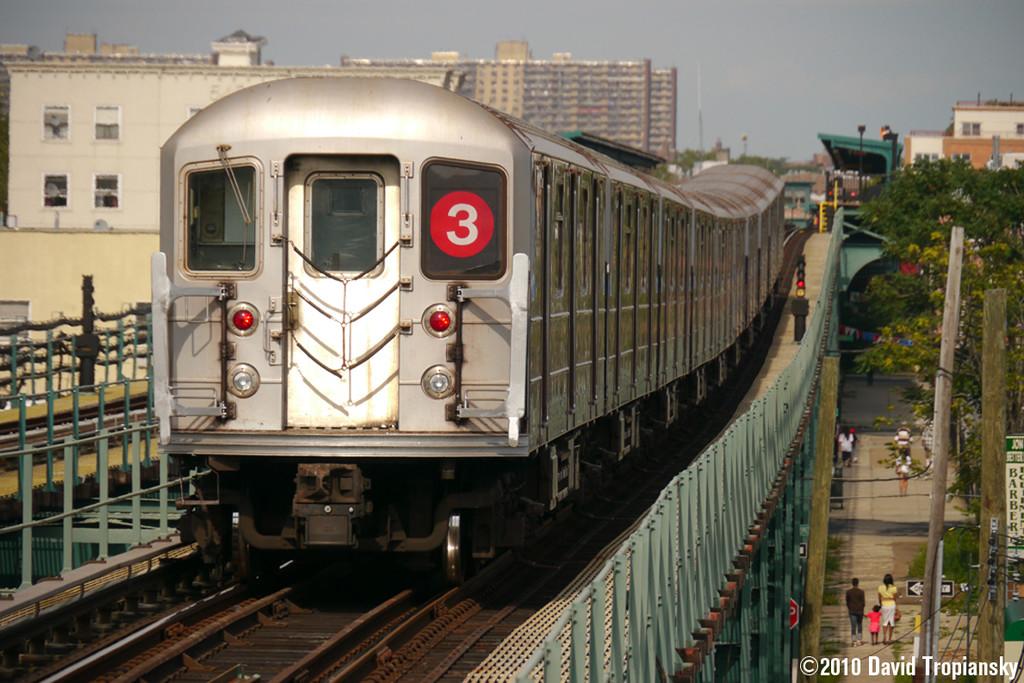(261k, 1024x683)<br><b>Country:</b> United States<br><b>City:</b> New York<br><b>System:</b> New York City Transit<br><b>Line:</b> IRT Brooklyn Line<br><b>Location:</b> Pennsylvania Avenue <br><b>Route:</b> 3<br><b>Car:</b> R-62 (Kawasaki, 1983-1985)   <br><b>Photo by:</b> David Tropiansky<br><b>Date:</b> 7/15/2010<br><b>Viewed (this week/total):</b> 0 / 1541