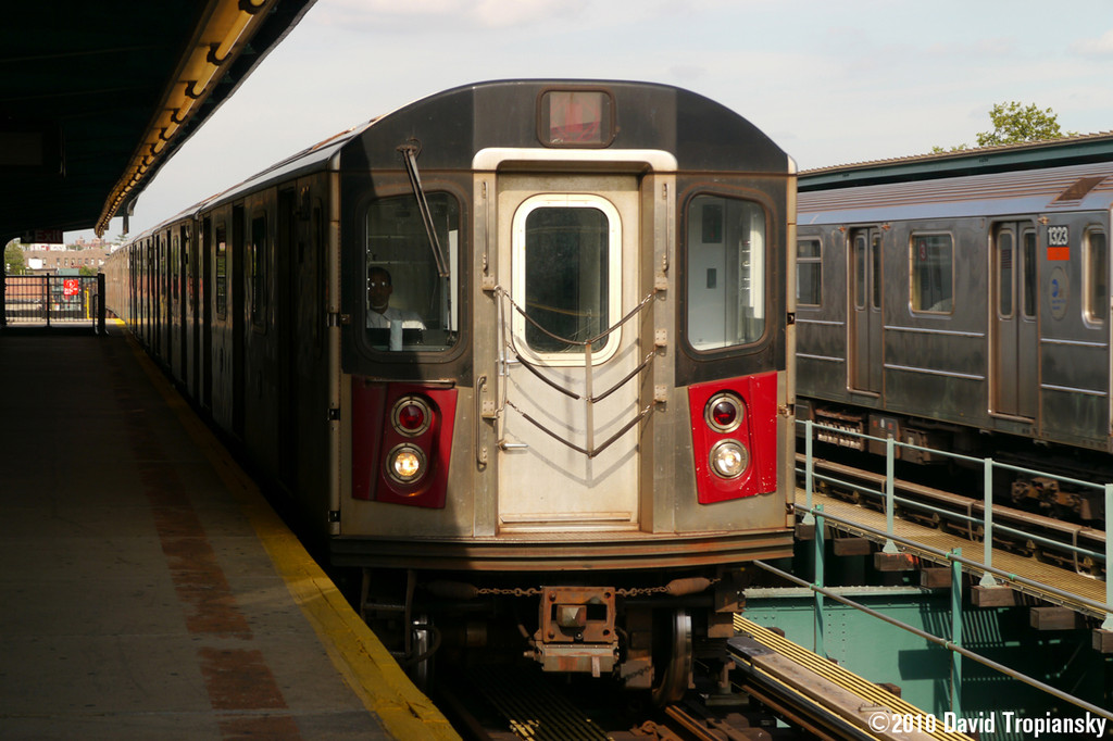 (228k, 1024x682)<br><b>Country:</b> United States<br><b>City:</b> New York<br><b>System:</b> New York City Transit<br><b>Line:</b> IRT Brooklyn Line<br><b>Location:</b> Van Siclen Avenue <br><b>Car:</b> R-142 or R-142A (Number Unknown)  <br><b>Photo by:</b> David Tropiansky<br><b>Date:</b> 7/15/2010<br><b>Viewed (this week/total):</b> 0 / 1541