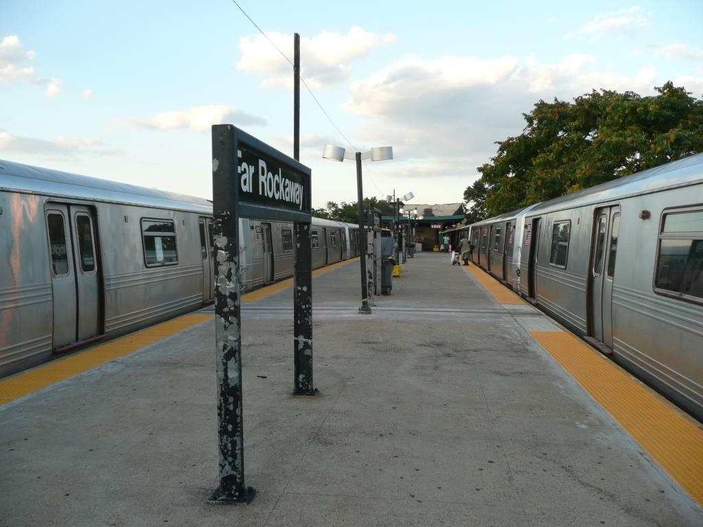 (111k, 1024x768)<br><b>Country:</b> United States<br><b>City:</b> New York<br><b>System:</b> New York City Transit<br><b>Line:</b> IND Rockaway<br><b>Location:</b> Mott Avenue/Far Rockaway <br><b>Photo by:</b> Robbie Rosenfeld<br><b>Date:</b> 8/26/2010<br><b>Viewed (this week/total):</b> 0 / 698