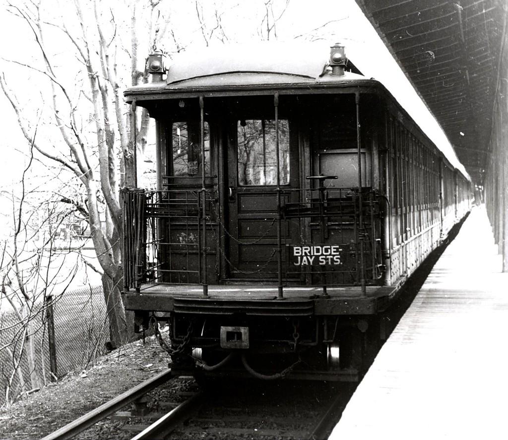 (247k, 1024x888)<br><b>Country:</b> United States<br><b>City:</b> New York<br><b>System:</b> New York City Transit<br><b>Line:</b> BMT Myrtle Avenue Line<br><b>Location:</b> Metropolitan Avenue <br><b>Car:</b> BMT Elevated Gate Car  <br><b>Collection of:</b> George Conrad Collection<br><b>Viewed (this week/total):</b> 1 / 1830