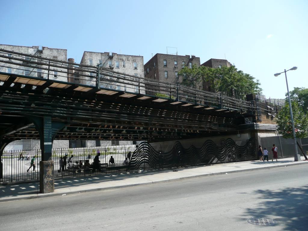(136k, 1024x768)<br><b>Country:</b> United States<br><b>City:</b> New York<br><b>System:</b> New York City Transit<br><b>Line:</b> IRT Woodlawn Line<br><b>Location:</b> 161st Street/River Avenue (Yankee Stadium) <br><b>Photo by:</b> Robbie Rosenfeld<br><b>Date:</b> 8/31/2010<br><b>Notes:</b> New park under the El - former parking lot for Yankee Stadium<br><b>Viewed (this week/total):</b> 0 / 1865