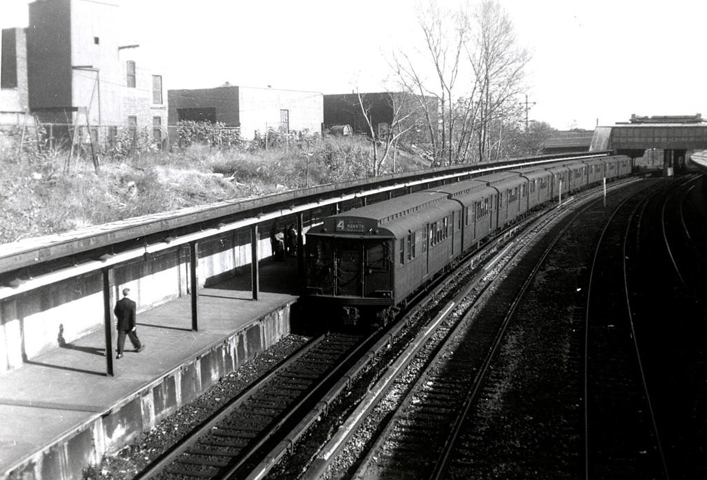 (196k, 1024x696)<br><b>Country:</b> United States<br><b>City:</b> New York<br><b>System:</b> New York City Transit<br><b>Line:</b> BMT Sea Beach Line<br><b>Location:</b> 8th Avenue <br><b>Car:</b> BMT D-Type Triplex  <br><b>Collection of:</b> George Conrad Collection<br><b>Date:</b> 11/4/1961<br><b>Viewed (this week/total):</b> 0 / 1708