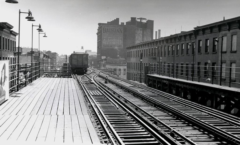 (181k, 1024x617)<br><b>Country:</b> United States<br><b>City:</b> New York<br><b>System:</b> New York City Transit<br><b>Line:</b> BMT Fulton<br><b>Location:</b> Lafayette Avenue <br><b>Car:</b> BMT C  <br><b>Collection of:</b> George Conrad Collection<br><b>Date:</b> 1939<br><b>Viewed (this week/total):</b> 1 / 1581