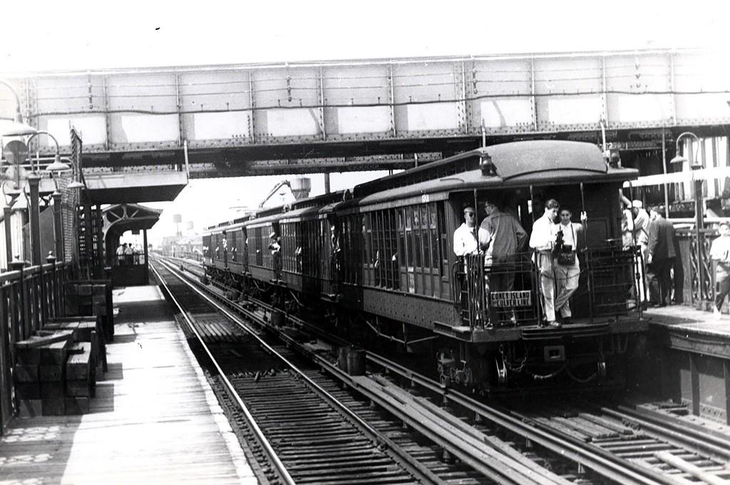 (186k, 1024x681)<br><b>Country:</b> United States<br><b>City:</b> New York<br><b>System:</b> New York City Transit<br><b>Line:</b> BMT Canarsie Line<br><b>Location:</b> Livonia Avenue <br><b>Route:</b> Fan Trip<br><b>Car:</b> BMT Elevated Gate Car 1301 <br><b>Collection of:</b> George Conrad Collection<br><b>Date:</b> 6/29/1958<br><b>Notes:</b> Farewell to the Gate Cars fantrip<br><b>Viewed (this week/total):</b> 2 / 1646