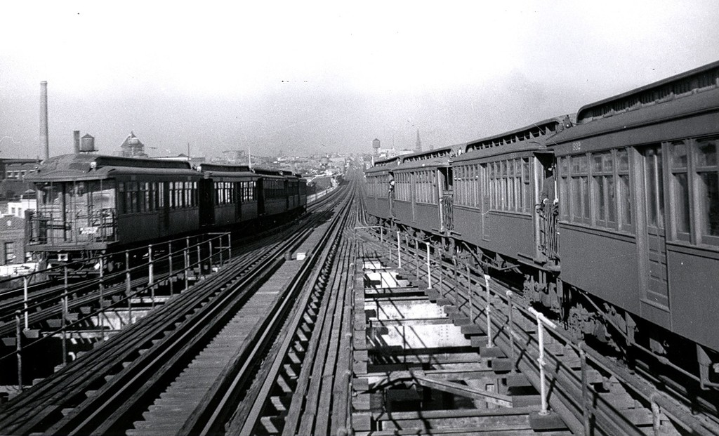 (195k, 1024x621)<br><b>Country:</b> United States<br><b>City:</b> New York<br><b>System:</b> New York City Transit<br><b>Line:</b> BMT Myrtle Avenue Line<br><b>Location:</b> Wyckoff Avenue <br><b>Car:</b> BMT Elevated Gate Car  <br><b>Collection of:</b> George Conrad Collection<br><b>Date:</b> 8/30/1948<br><b>Notes:</b> View south from Wyckoff/Myrtle - note center track still installed.<br><b>Viewed (this week/total):</b> 2 / 2681