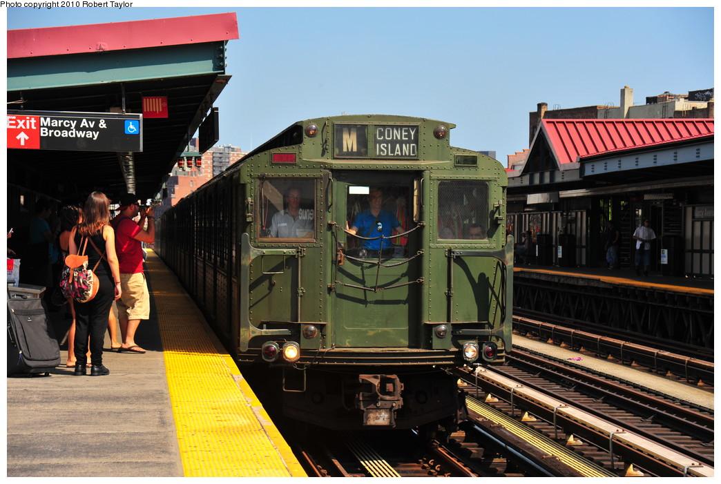 (283k, 1044x701)<br><b>Country:</b> United States<br><b>City:</b> New York<br><b>System:</b> New York City Transit<br><b>Line:</b> BMT Nassau Street/Jamaica Line<br><b>Location:</b> Marcy Avenue <br><b>Route:</b> Fan Trip<br><b>Car:</b> R-4 (American Car & Foundry, 1932-1933) 484 <br><b>Photo by:</b> Robert Taylor<br><b>Date:</b> 7/31/2010<br><b>Viewed (this week/total):</b> 1 / 1659