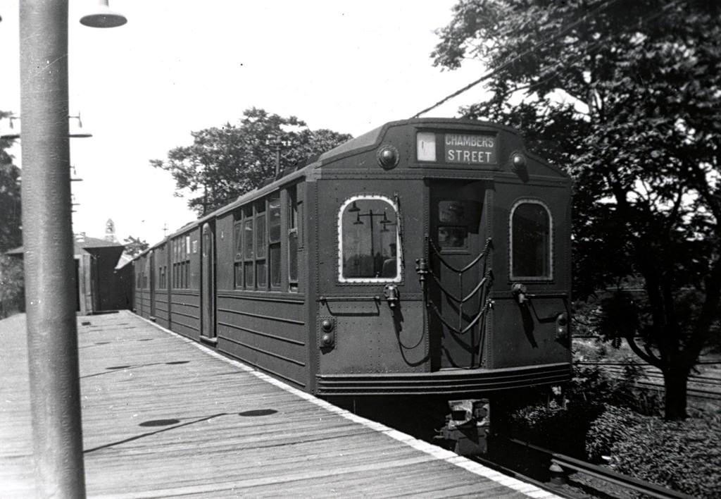 (181k, 1024x708)<br><b>Country:</b> United States<br><b>City:</b> New York<br><b>System:</b> New York City Transit<br><b>Line:</b> BMT Myrtle Avenue Line<br><b>Location:</b> Metropolitan Avenue <br><b>Car:</b> BMT Multi  <br><b>Collection of:</b> George Conrad Collection<br><b>Date:</b> 7/21/1957<br><b>Viewed (this week/total):</b> 0 / 1719