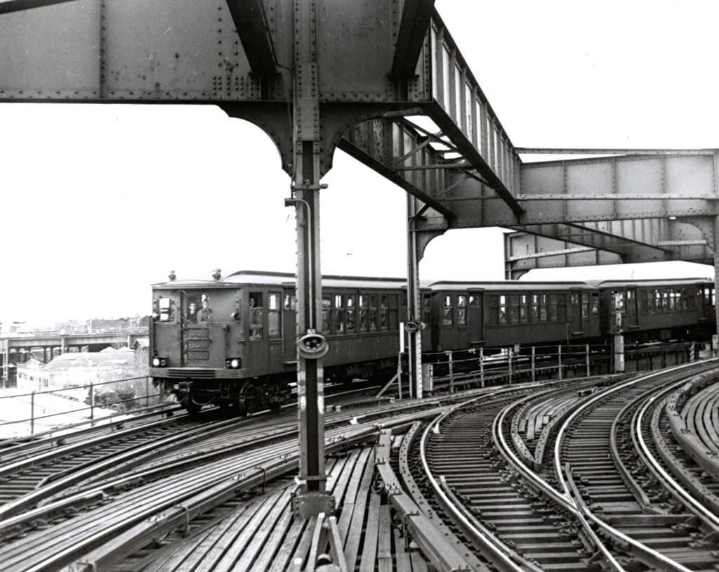 (202k, 1024x814)<br><b>Country:</b> United States<br><b>City:</b> New York<br><b>System:</b> New York City Transit<br><b>Line:</b> BMT Nassau Street/Jamaica Line<br><b>Location:</b> Alabama Avenue <br><b>Route:</b> Fan Trip<br><b>Car:</b> BMT Q  <br><b>Collection of:</b> George Conrad Collection<br><b>Date:</b> 3/22/1969<br><b>Viewed (this week/total):</b> 1 / 3846