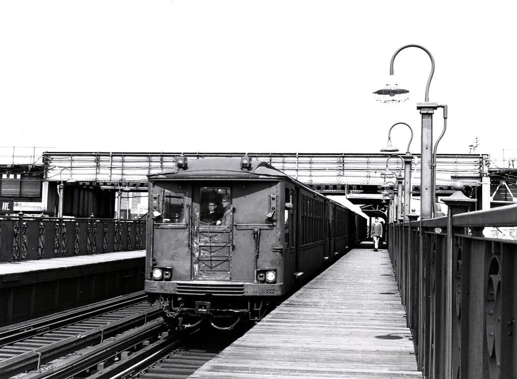 (176k, 1024x751)<br><b>Country:</b> United States<br><b>City:</b> New York<br><b>System:</b> New York City Transit<br><b>Line:</b> BMT Canarsie Line<br><b>Location:</b> Livonia Avenue <br><b>Route:</b> Fan Trip<br><b>Car:</b> BMT Q  <br><b>Collection of:</b> George Conrad Collection<br><b>Date:</b> 3/22/1969<br><b>Viewed (this week/total):</b> 0 / 1155