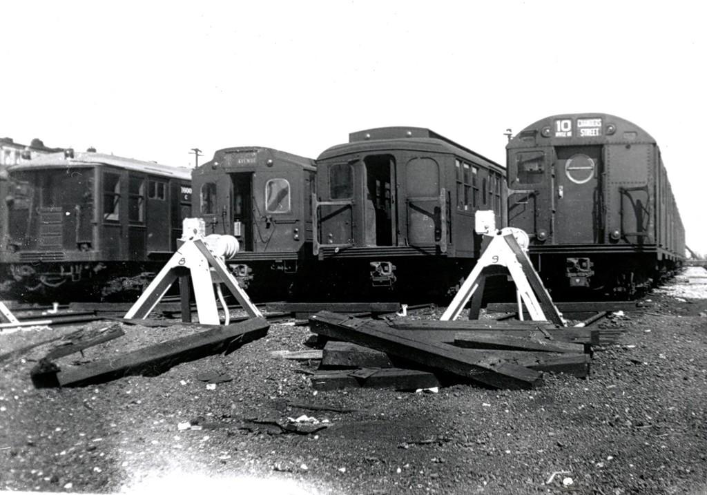 (177k, 1024x717)<br><b>Country:</b> United States<br><b>City:</b> New York<br><b>System:</b> New York City Transit<br><b>Location:</b> Fresh Pond Yard<br><b>Car:</b> BMT Q  <br><b>Collection of:</b> George Conrad Collection<br><b>Date:</b> 3/14/1959<br><b>Notes:</b> Q type, Multi, B type, and R16.<br><b>Viewed (this week/total):</b> 3 / 1859