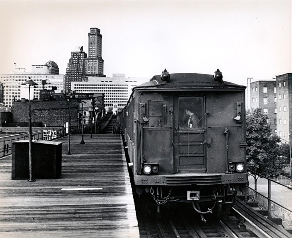 (197k, 1024x837)<br><b>Country:</b> United States<br><b>City:</b> New York<br><b>System:</b> New York City Transit<br><b>Line:</b> BMT Myrtle Avenue Line<br><b>Location:</b> Navy Street <br><b>Car:</b> BMT Q  <br><b>Collection of:</b> George Conrad Collection<br><b>Date:</b> 10/5/1969<br><b>Viewed (this week/total):</b> 3 / 2500