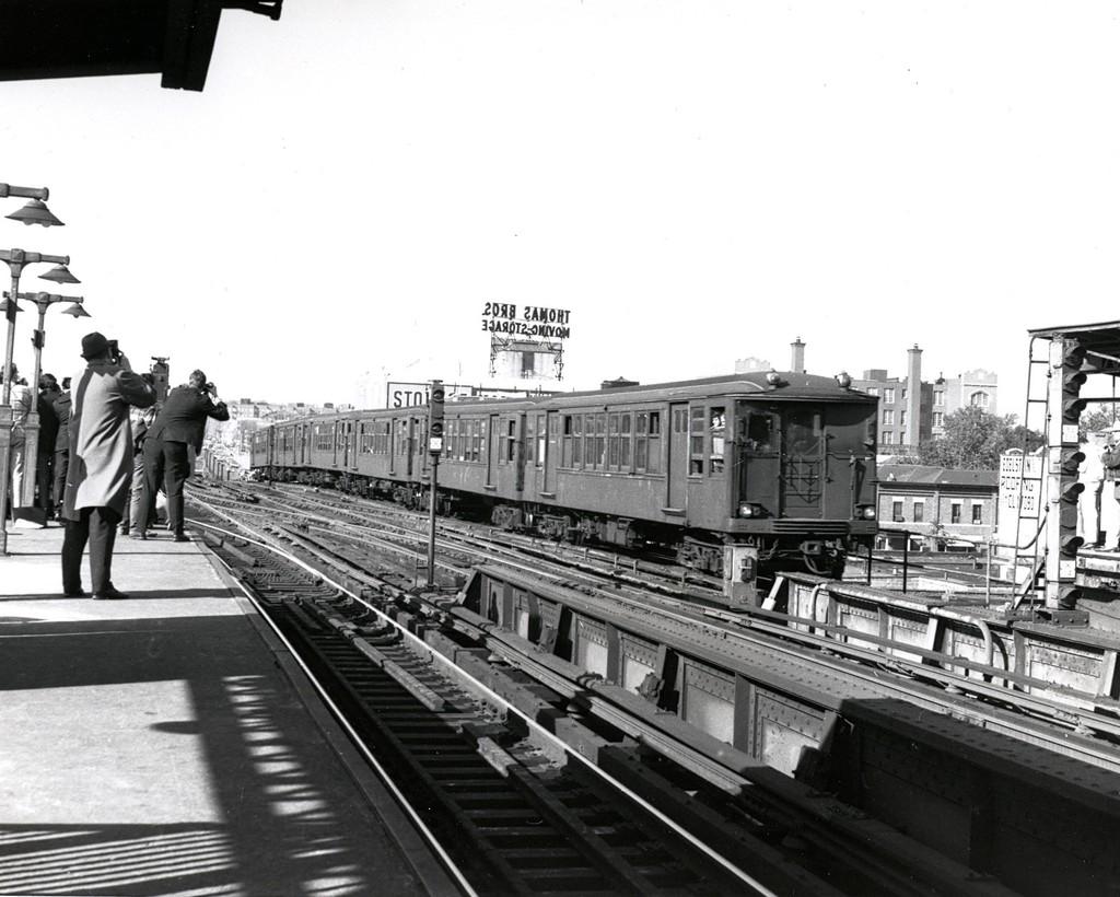 (184k, 1024x820)<br><b>Country:</b> United States<br><b>City:</b> New York<br><b>System:</b> New York City Transit<br><b>Line:</b> BMT Culver Line<br><b>Location:</b> Ditmas Avenue <br><b>Route:</b> Fan Trip<br><b>Car:</b> BMT Q  <br><b>Collection of:</b> George Conrad Collection<br><b>Date:</b> 10/4/1969<br><b>Viewed (this week/total):</b> 5 / 1996