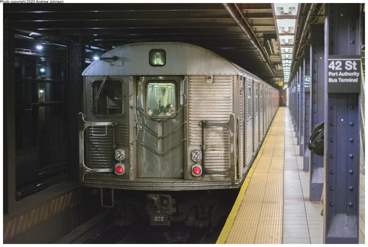 (152k, 1024x809)<br><b>Country:</b> United States<br><b>City:</b> New York<br><b>System:</b> New York City Transit<br><b>Line:</b> BMT Myrtle Avenue Line<br><b>Location:</b> Fresh Pond Road <br><b>Car:</b> BMT Q  <br><b>Collection of:</b> George Conrad Collection<br><b>Date:</b> 4/11/1969<br><b>Notes:</b> With R9 1650<br><b>Viewed (this week/total):</b> 2 / 1718