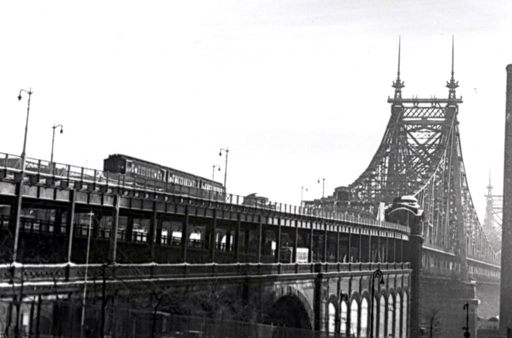 (108k, 1024x675)<br><b>Country:</b> United States<br><b>City:</b> New York<br><b>System:</b> New York City Transit<br><b>Line:</b> 2nd Avenue El<br><b>Location:</b> Queensborough Bridge <br><b>Collection of:</b> George Conrad Collection<br><b>Notes:</b> Manhattan side of Queensborough Br.<br><b>Viewed (this week/total):</b> 8 / 3440