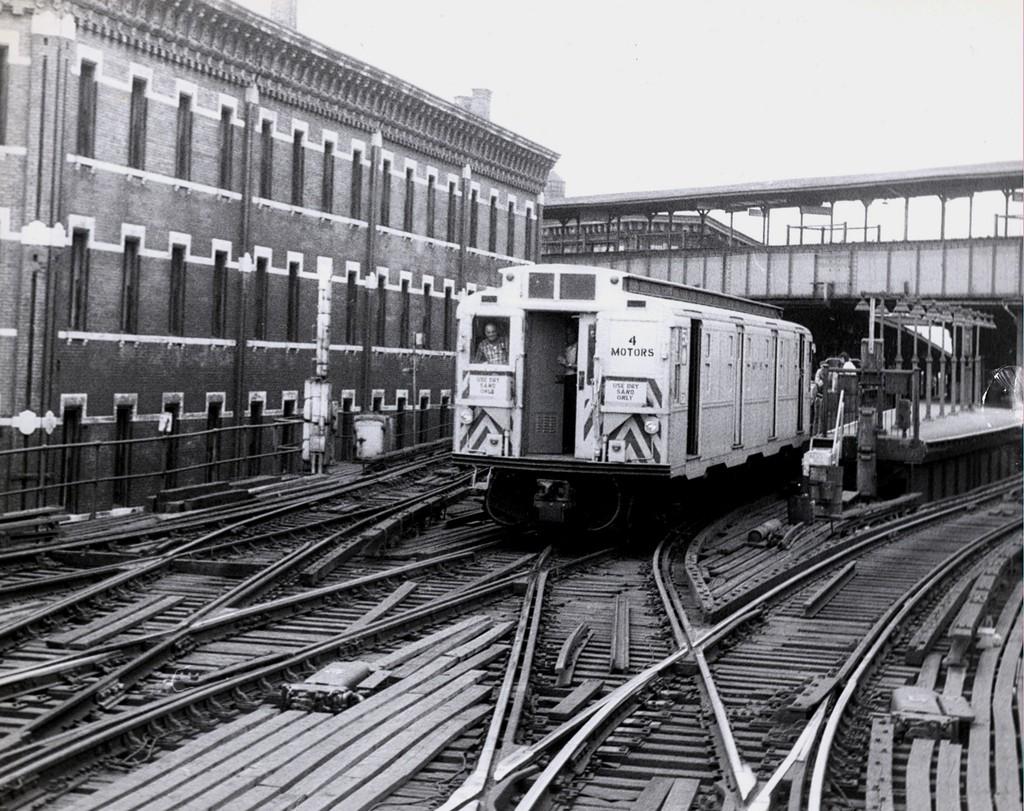(254k, 1024x811)<br><b>Country:</b> United States<br><b>City:</b> New York<br><b>System:</b> New York City Transit<br><b>Line:</b> BMT Nassau Street/Jamaica Line<br><b>Location:</b> Myrtle Avenue <br><b>Route:</b> Work Service<br><b>Car:</b> R-4 (American Car & Foundry, 1932-1933)  <br><b>Collection of:</b> George Conrad Collection<br><b>Date:</b> 7/14/1970<br><b>Viewed (this week/total):</b> 1 / 2912