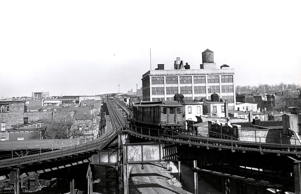 (160k, 1024x660)<br><b>Country:</b> United States<br><b>City:</b> New York<br><b>System:</b> New York City Transit<br><b>Line:</b> BMT Fulton<br><b>Location:</b> Atlantic Avenue <br><b>Car:</b> BMT C  <br><b>Collection of:</b> George Conrad Collection<br><b>Date:</b> 2/1948<br><b>Notes:</b> Inbound train heading toward Atlantic Ave.- Fulton El structure over Snedicker Ave.<br><b>Viewed (this week/total):</b> 0 / 3673