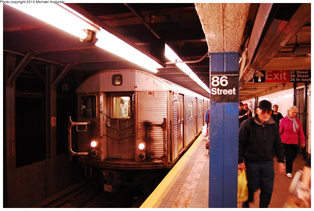 (206k, 1044x701)<br><b>Country:</b> United States<br><b>City:</b> New York<br><b>System:</b> New York City Transit<br><b>Line:</b> IND 8th Avenue Line<br><b>Location:</b> 86th Street<br><b>Route:</b> C<br><b>Car:</b> R-32 (Budd, 1964) 3714 <br><b>Photo by:</b> Michael Hodurski<br><b>Date:</b> 10/15/2010<br><b>Viewed (this week/total):</b> 1 / 2202