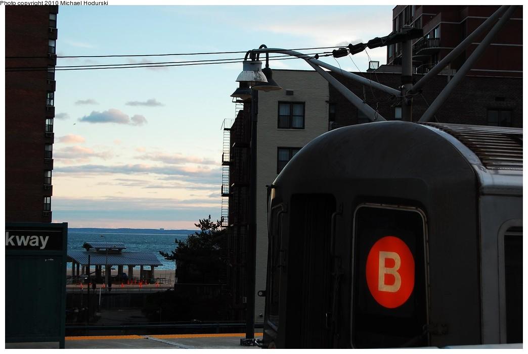 (168k, 1044x701)<br><b>Country:</b> United States<br><b>City:</b> New York<br><b>System:</b> New York City Transit<br><b>Line:</b> BMT Brighton Line<br><b>Location:</b> Ocean Parkway <br><b>Route:</b> B<br><b>Car:</b> R-68 (Westinghouse-Amrail, 1986-1988)  2896 <br><b>Photo by:</b> Michael Hodurski<br><b>Date:</b> 10/15/2010<br><b>Viewed (this week/total):</b> 0 / 1143