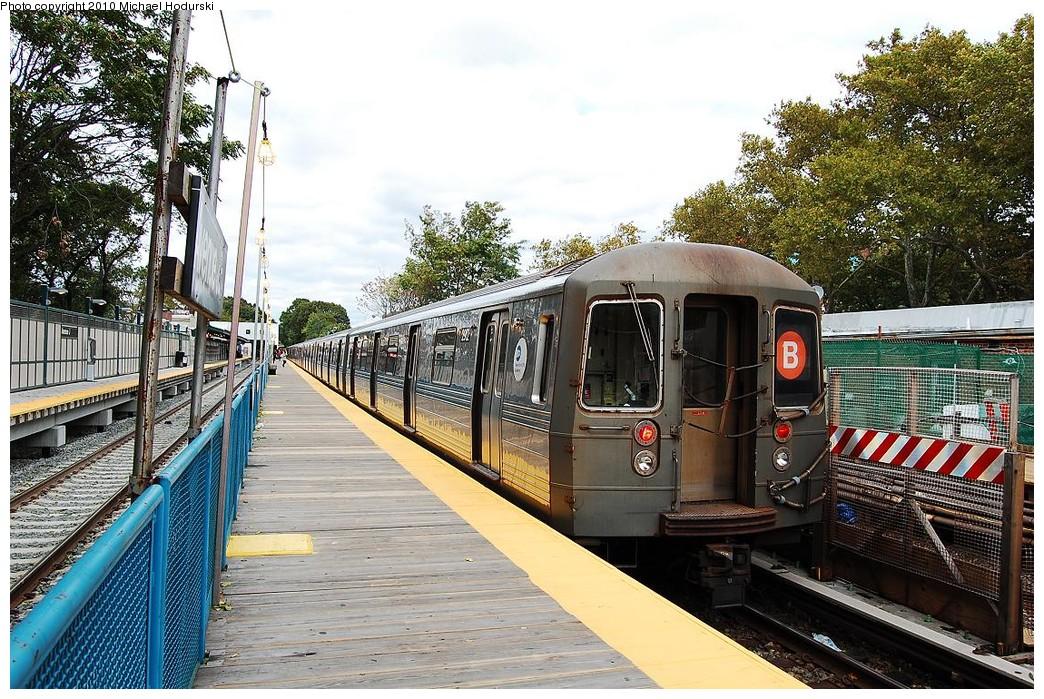 (317k, 1044x699)<br><b>Country:</b> United States<br><b>City:</b> New York<br><b>System:</b> New York City Transit<br><b>Line:</b> BMT Brighton Line<br><b>Location:</b> Avenue J <br><b>Route:</b> B<br><b>Car:</b> R-68 (Westinghouse-Amrail, 1986-1988)  2912 <br><b>Photo by:</b> Michael Hodurski<br><b>Date:</b> 10/15/2010<br><b>Viewed (this week/total):</b> 0 / 882