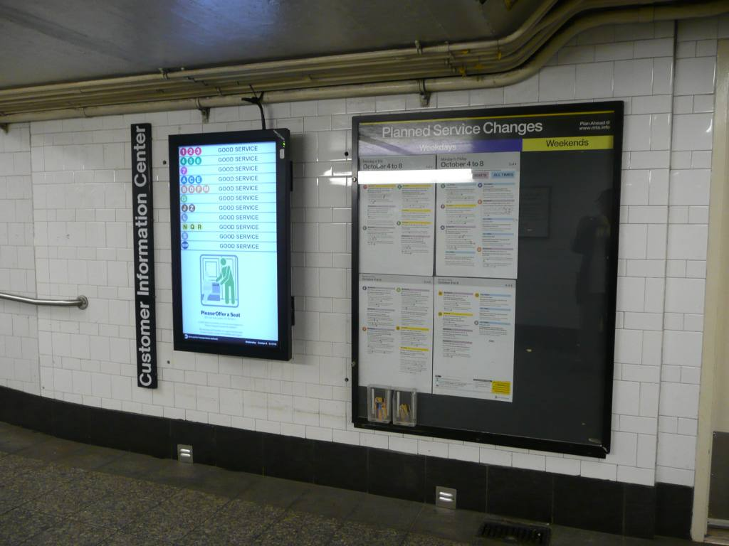 (101k, 1024x768)<br><b>Country:</b> United States<br><b>City:</b> New York<br><b>System:</b> New York City Transit<br><b>Line:</b> BMT 4th Avenue<br><b>Location:</b> Pacific Street <br><b>Photo by:</b> Robbie Rosenfeld<br><b>Date:</b> 10/6/2010<br><b>Notes:</b> Subway service status sign at Pacific St station mezzanine.<br><b>Viewed (this week/total):</b> 6 / 1035