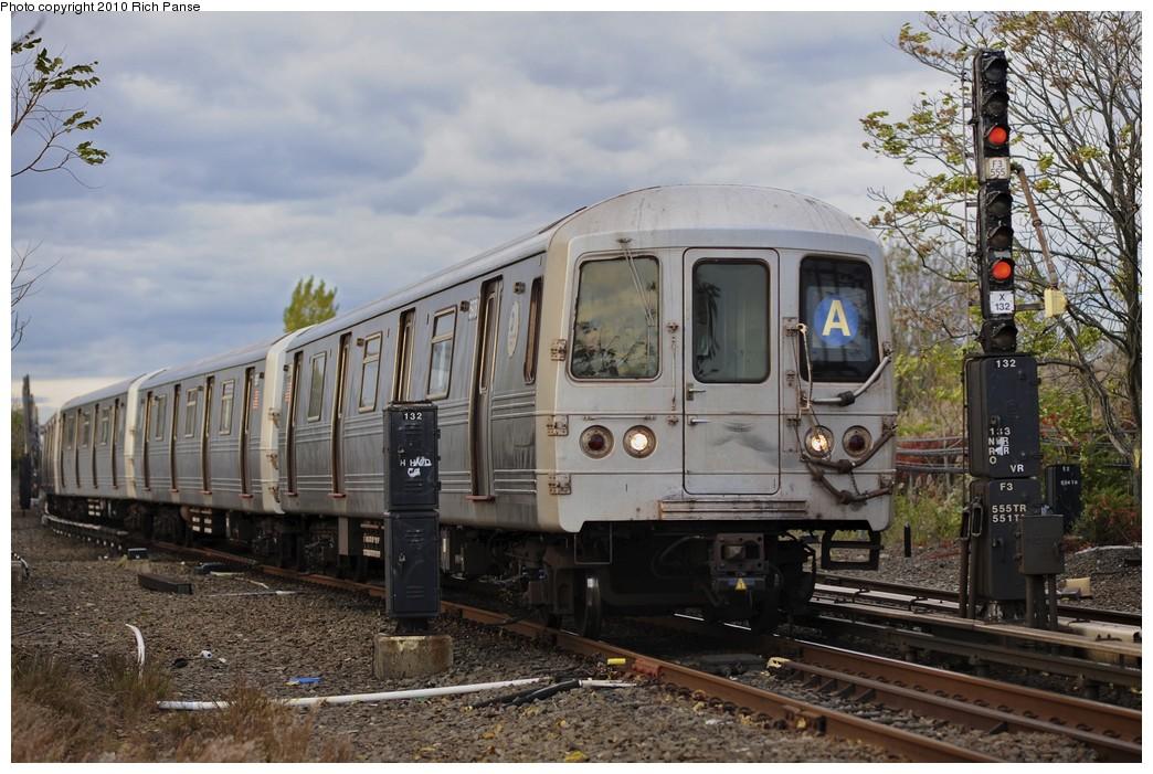 (212k, 1044x701)<br><b>Country:</b> United States<br><b>City:</b> New York<br><b>System:</b> New York City Transit<br><b>Line:</b> IND Rockaway<br><b>Location:</b> Howard Beach <br><b>Route:</b> A<br><b>Car:</b> R-46 (Pullman-Standard, 1974-75)  <br><b>Photo by:</b> Richard Panse<br><b>Date:</b> 10/15/2010<br><b>Viewed (this week/total):</b> 4 / 1328