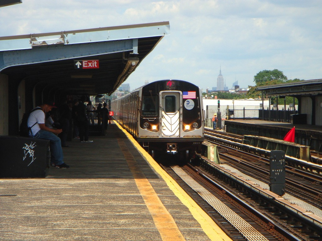 (220k, 1024x768)<br><b>Country:</b> United States<br><b>City:</b> New York<br><b>System:</b> New York City Transit<br><b>Line:</b> BMT Culver Line<br><b>Location:</b> Bay Parkway (22nd Avenue) <br><b>Route:</b> F<br><b>Car:</b> R-160B (Option 1) (Kawasaki, 2008-2009)   <br><b>Photo by:</b> Alex Tan<br><b>Date:</b> 7/23/2010<br><b>Viewed (this week/total):</b> 0 / 855