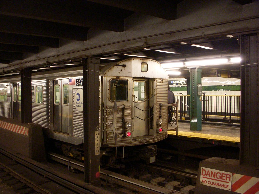 (234k, 1024x768)<br><b>Country:</b> United States<br><b>City:</b> New York<br><b>System:</b> New York City Transit<br><b>Line:</b> IND 8th Avenue Line<br><b>Location:</b> West 4th Street/Washington Square <br><b>Route:</b> C<br><b>Car:</b> R-32 (Budd, 1964)  3473 <br><b>Photo by:</b> Alex Tan<br><b>Date:</b> 10/8/2010<br><b>Viewed (this week/total):</b> 0 / 1435