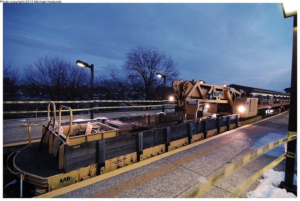 (310k, 1044x699)<br><b>Country:</b> United States<br><b>City:</b> New York<br><b>System:</b> New York City Transit<br><b>Line:</b> BMT Culver Line<br><b>Location:</b> 18th Avenue <br><b>Route:</b> Work Service<br><b>Car:</b> R-113 Crane Car  270 <br><b>Photo by:</b> Michael Hodurski<br><b>Date:</b> 1/2/2010<br><b>Viewed (this week/total):</b> 0 / 851
