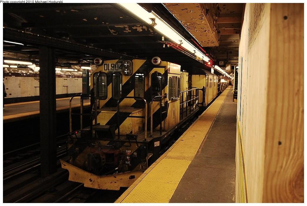(236k, 1044x699)<br><b>Country:</b> United States<br><b>City:</b> New York<br><b>System:</b> New York City Transit<br><b>Line:</b> IND Crosstown Line<br><b>Location:</b> Church Avenue <br><b>Route:</b> Work Service<br><b>Car:</b> R-120 Locomotive  904 <br><b>Photo by:</b> Michael Hodurski<br><b>Date:</b> 1/2/2010<br><b>Viewed (this week/total):</b> 1 / 678