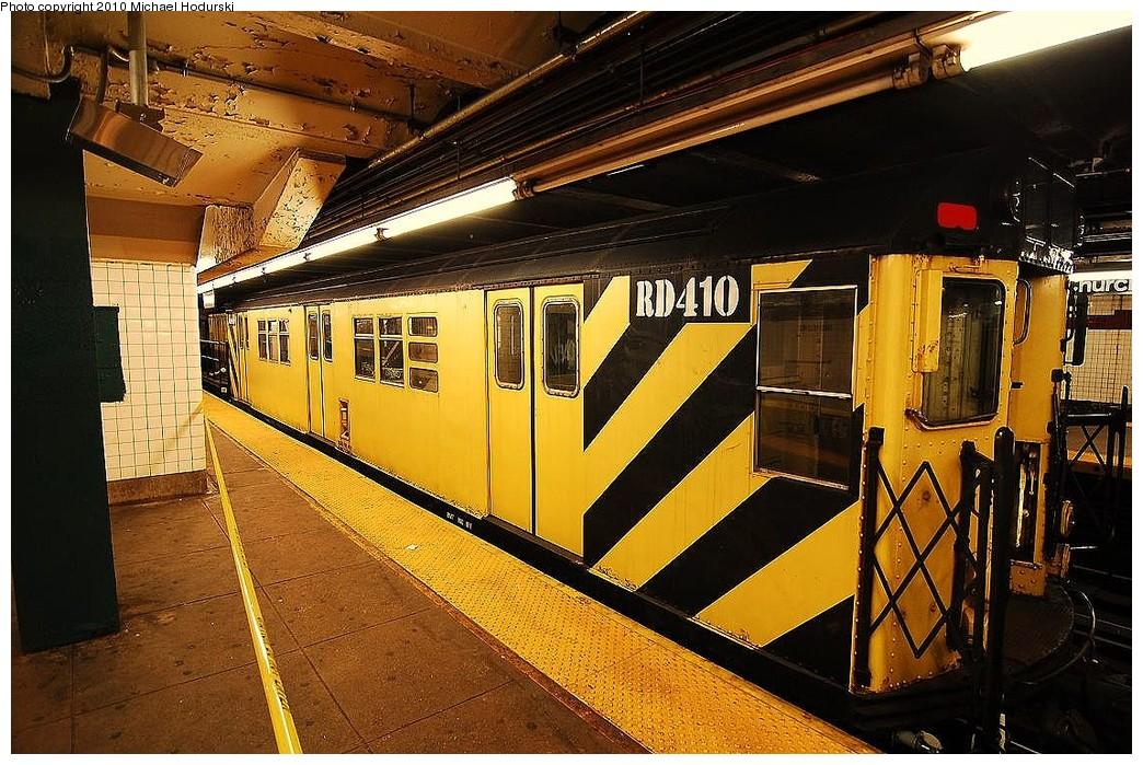 (301k, 1044x699)<br><b>Country:</b> United States<br><b>City:</b> New York<br><b>System:</b> New York City Transit<br><b>Line:</b> IND Crosstown Line<br><b>Location:</b> Church Avenue <br><b>Route:</b> Work Service<br><b>Car:</b> R-161 Rider Car (ex-R-33)  RD410 <br><b>Photo by:</b> Michael Hodurski<br><b>Date:</b> 1/2/2010<br><b>Viewed (this week/total):</b> 2 / 824
