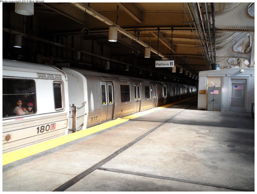 (224k, 1044x788)<br><b>Country:</b> United States<br><b>City:</b> Newark, NJ<br><b>System:</b> PATH<br><b>Location:</b> Newark (Penn Station) <br><b>Car:</b> PATH PA-4 (Kawasaki, 1986)  832 <br><b>Photo by:</b> Bob Wright<br><b>Date:</b> 10/16/2010<br><b>Viewed (this week/total):</b> 3 / 1024
