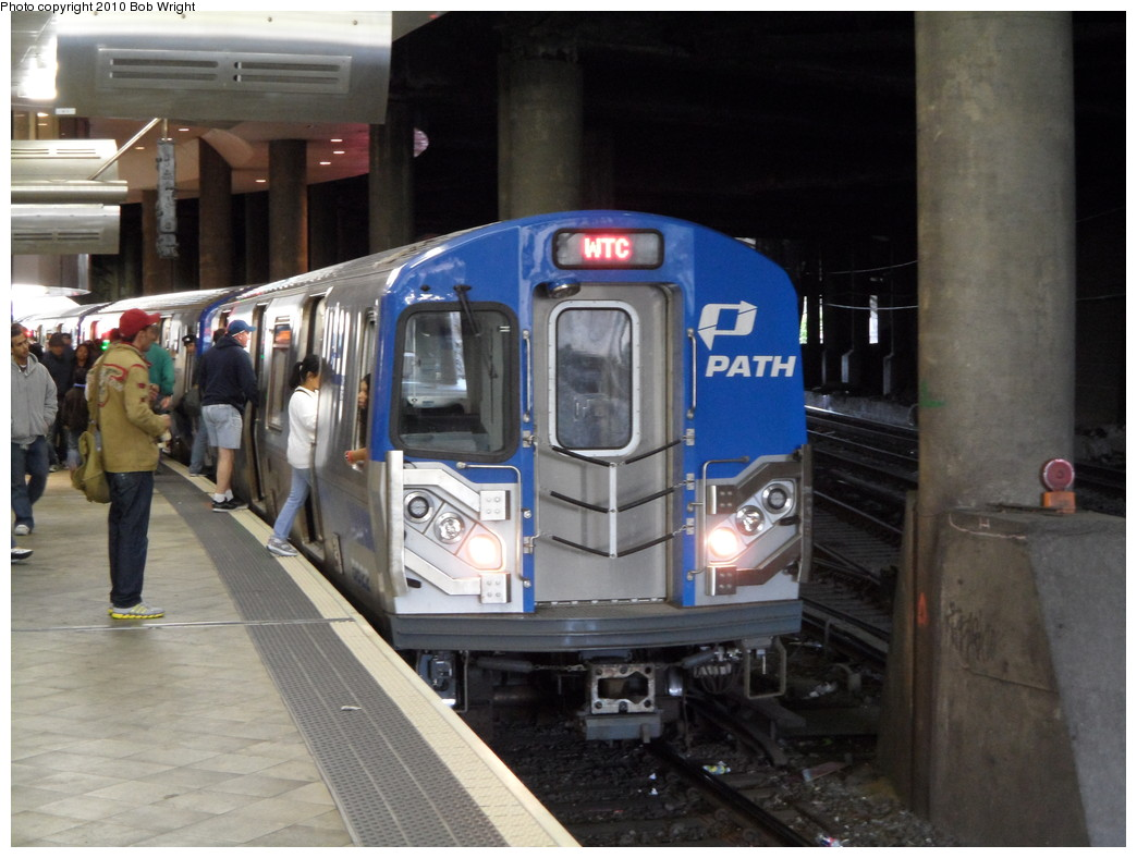 (211k, 1044x788)<br><b>Country:</b> United States<br><b>City:</b> Jersey City, NJ<br><b>System:</b> PATH<br><b>Location:</b> Journal Square <br><b>Car:</b> PATH PA-5 (Kawasaki, 2009-2011) 5622 <br><b>Photo by:</b> Bob Wright<br><b>Date:</b> 10/16/2010<br><b>Viewed (this week/total):</b> 0 / 1331