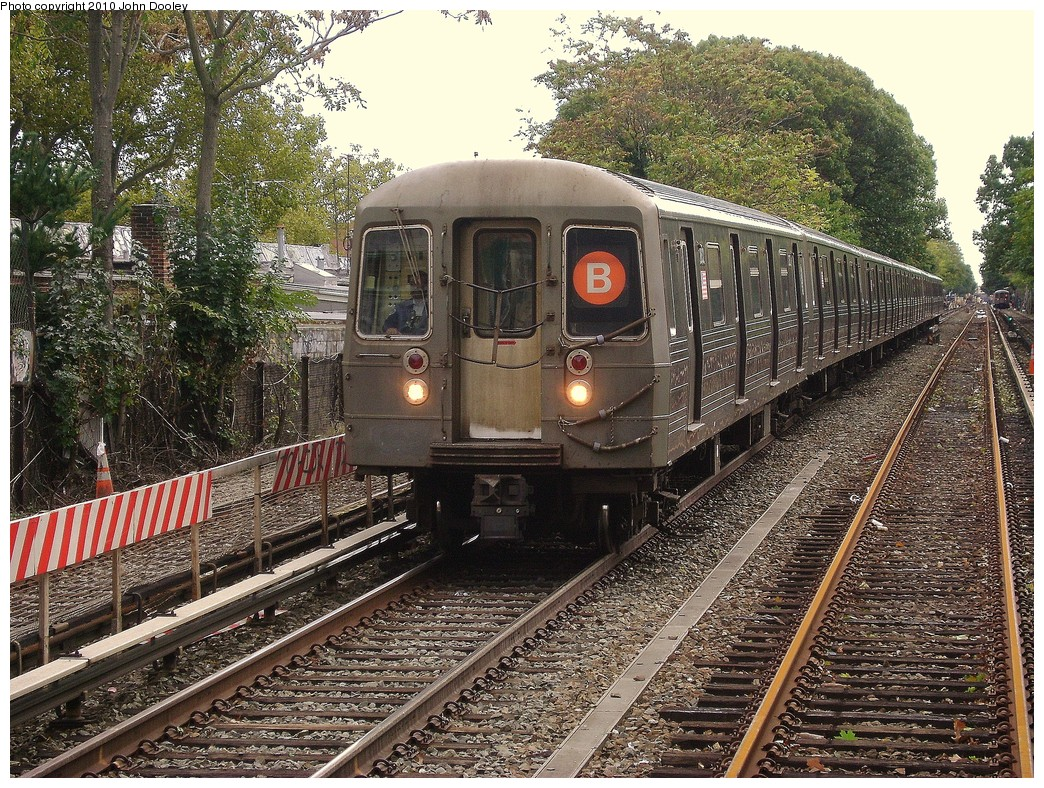 (411k, 1044x788)<br><b>Country:</b> United States<br><b>City:</b> New York<br><b>System:</b> New York City Transit<br><b>Line:</b> BMT Brighton Line<br><b>Location:</b> Avenue J <br><b>Route:</b> B<br><b>Car:</b> R-68 (Westinghouse-Amrail, 1986-1988)  2832 <br><b>Photo by:</b> John Dooley<br><b>Date:</b> 10/15/2010<br><b>Viewed (this week/total):</b> 4 / 892