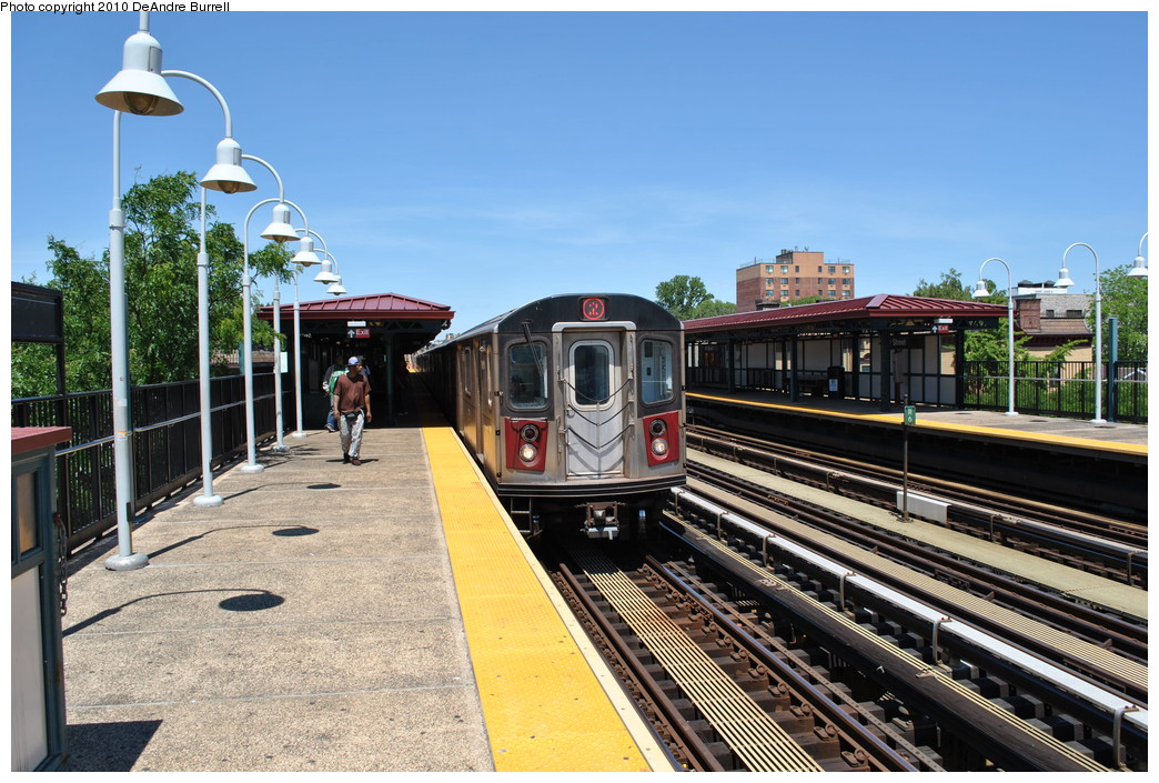 (301k, 1044x705)<br><b>Country:</b> United States<br><b>City:</b> New York<br><b>System:</b> New York City Transit<br><b>Line:</b> IRT White Plains Road Line<br><b>Location:</b> 219th Street <br><b>Route:</b> 2<br><b>Car:</b> R-142 (Primary Order, Bombardier, 1999-2002)  6600 <br><b>Photo by:</b> DeAndre Burrell<br><b>Date:</b> 5/30/2010<br><b>Viewed (this week/total):</b> 4 / 1259