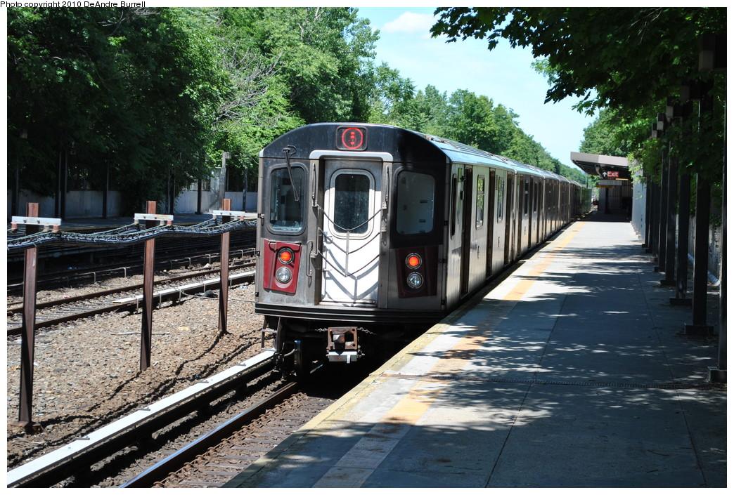 (338k, 1044x705)<br><b>Country:</b> United States<br><b>City:</b> New York<br><b>System:</b> New York City Transit<br><b>Line:</b> IRT Dyre Ave. Line<br><b>Location:</b> Baychester Avenue <br><b>Route:</b> 5<br><b>Car:</b> R-142 (Primary Order, Bombardier, 1999-2002)  6686 <br><b>Photo by:</b> DeAndre Burrell<br><b>Date:</b> 5/30/2010<br><b>Viewed (this week/total):</b> 3 / 1137
