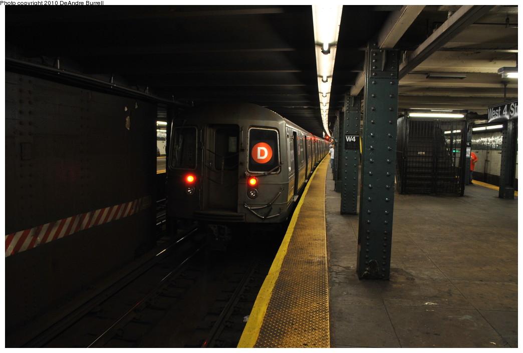 (208k, 1044x705)<br><b>Country:</b> United States<br><b>City:</b> New York<br><b>System:</b> New York City Transit<br><b>Line:</b> IND 6th Avenue Line<br><b>Location:</b> West 4th Street/Washington Square <br><b>Route:</b> B<br><b>Car:</b> R-68 (Westinghouse-Amrail, 1986-1988)   <br><b>Photo by:</b> DeAndre Burrell<br><b>Date:</b> 6/28/2010<br><b>Viewed (this week/total):</b> 0 / 981