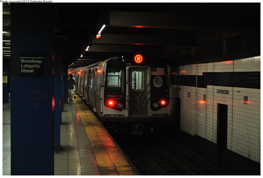 (197k, 1044x705)<br><b>Country:</b> United States<br><b>City:</b> New York<br><b>System:</b> New York City Transit<br><b>Line:</b> IND 6th Avenue Line<br><b>Location:</b> Broadway/Lafayette <br><b>Route:</b> M<br><b>Car:</b> R-160B (Option 2) (Kawasaki, 2009)   <br><b>Photo by:</b> DeAndre Burrell<br><b>Date:</b> 8/2/2010<br><b>Viewed (this week/total):</b> 0 / 1441