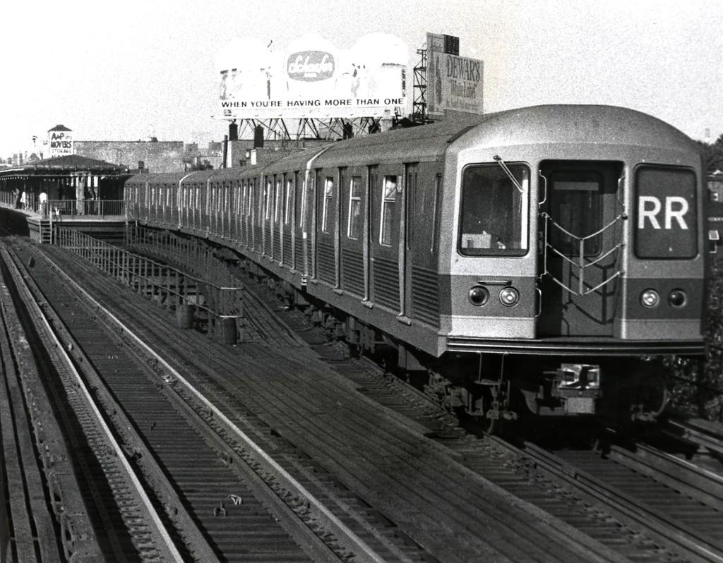 (234k, 1024x798)<br><b>Country:</b> United States<br><b>City:</b> New York<br><b>System:</b> New York City Transit<br><b>Line:</b> BMT Astoria Line<br><b>Location:</b> Astoria Boulevard/Hoyt Avenue <br><b>Route:</b> QJ<br><b>Car:</b> R-42 (St. Louis, 1969-1970)   <br><b>Collection of:</b> George Conrad Collection<br><b>Date:</b> 6/20/1970<br><b>Viewed (this week/total):</b> 0 / 2683